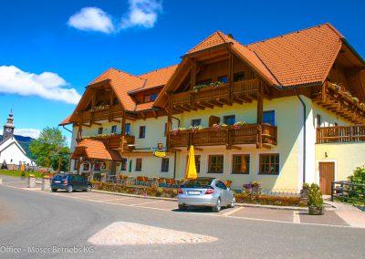 Außenansicht auf den Alpengasthof Moser
