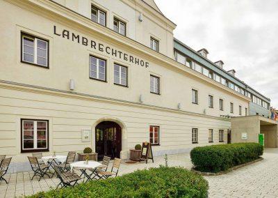 Außenansicht Naturparkhotel Lambrechterhof