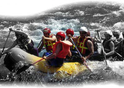Gruppe beim Murwasser-Rafting